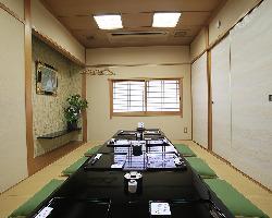 2階全室個室。25名様までご対応可能でございます。