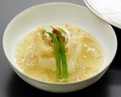 コラーゲンたっぷり!旨みが凝縮した 旬の魚のフカヒレ餡かけ。