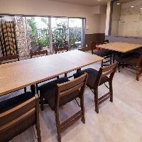 2階はテーブルレイアウトが自在に組めます。大小宴会に