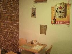 昭和の時代の店内、お酒も飲めますよ