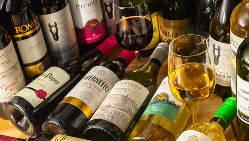 世界各地のワインが大集合!お肉やアラカルトと一緒にどうぞ★