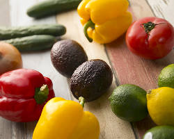 色とりどりの野菜を使ったカラフル料理も楽しめます!