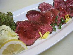 和牛 地鶏 豚肉料理 などなど、豊富なラインナップ