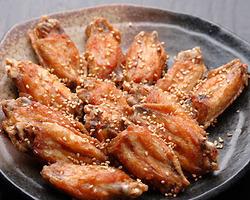 特製手羽唐揚げ 甘くピリ辛がクセになります。