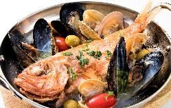 イタリアン中心のこだわりの前菜各種は常時20~30種。
