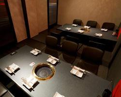 最大宴会27名様迄ご利用できます。 他にも座敷・個室・半個室等