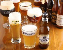 月替わりボトルビールと売り切れ御免の樽生ベルギービールが人気
