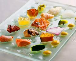 【アンティパスト】 季節が薫る個性豊かな15種が一皿に