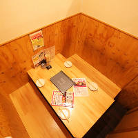 個室は2名様からご案内可能!プライベート空間です!