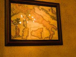 イタリアを描く一枚には、鈴木シェフの背景が秘められる