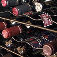 20時よりバータイム。ワインやウイスキーも多数ございます