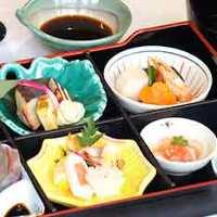 経験豊かな料理人が腕を振るう日本料理の真髄を堪能