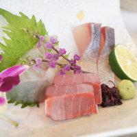新鮮魚介のお造りはコースでも単品でもご注文いただけます