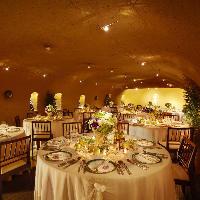 テーブルセッティングや席配置も自由自在!結婚式二次会に最適