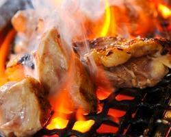 毎朝4時に朝引きされた鶏肉を丹精込めて焼き上げます!