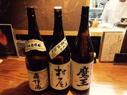 日本酒や焼酎などのお酒も豊富。中には珍しいお酒も。