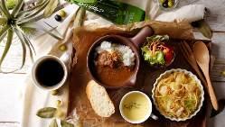 【逸品】 日替りの旬食材を贅沢に使用したパスタや前菜も!