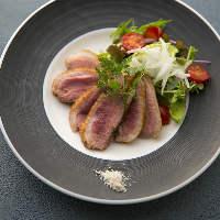 【アラカルト】 旬の野菜や脂の乗ったお肉、新鮮魚介を堪能