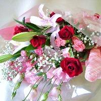 女性はやっぱりもらって嬉しいもの♪花束 ・フラワーアレンジメント