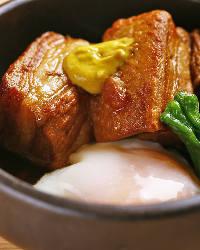 しっかりと味がしゅんだ『豚の角煮』口の中でほろりと崩れます!