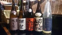 季節や入手困難の地酒など、多数ご用意しております。
