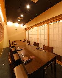 完全個室12名様まで。接待・会食にも使えます。