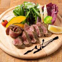 肉厚なサーロインステーキは絶品です!
