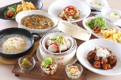 ランチもディナーも大満足のコース料理をご用意しております。