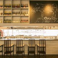 【オープンキッチン】 カウンター席は調理シーンを目の前で満喫