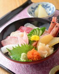 大好評☆ランチタイム限定メニュー 海鮮丼ランチ