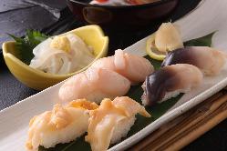 北海道直送の貝類は磯の香りと歯応え自慢
