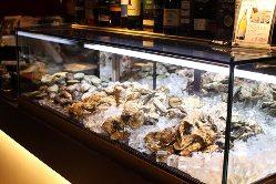 ディスプレイからお好きな牡蠣をご注文ください。