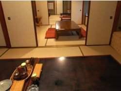 【間仕切り自在の個室】 座敷の完全個室です。