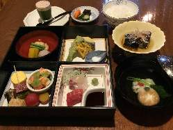 お昼御膳、1700円のお値打なランチです。