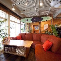 ★人気のソファー席★ ゆったりリゾート気分の空間