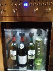 三田初ワインサーバーから抽出するのでグラスで頂けます。
