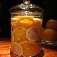 甘くていい香りが広がる自家製フルーツウォッカ