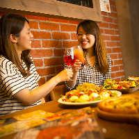 オシャレ空間とバルメニューが女子会に大人気の『肉ガレージ』