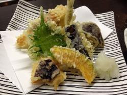 和の職人が奏でる創作料理の数々。 癒しの空間と美味しい料理。