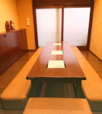 大人気!1Fは隠れ家的な個室が御座います。要予約 (6~8席)