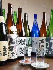 おすすめの日本酒など幅広くご用意!