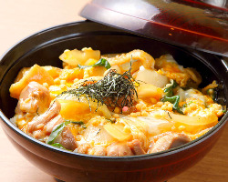 さつま地鶏すき焼きの玉子とじ親子丼!