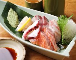 魚貝も旨い!寿司屋のルートで仕入れる鮮魚あります!