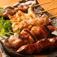 こだわりの焼き鳥は地鶏を使用♪日本酒やワインは店長の厳選★