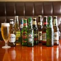 世界各国のビールを多彩にご用意!様々な味を楽しんでみては♪