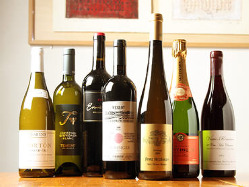 世界のワインが1,000種以上揃っています