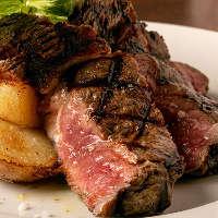 大人気のお肉料理をぜひ!