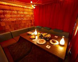 まるでリゾート地の別荘。光り輝くヴィラ空間で特別な夜を