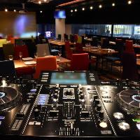 本格的な音響・映像・DJ機器を完備!様々な演出に大活躍♪
