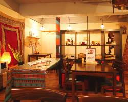 おしゃれな店内でゆっくりお酒やお食事をお楽しみ下さい。